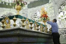 گل آرايي ضرايح مطهر امامزادگان آستان مقدس حضرت عبدالعظيم عليه السلام